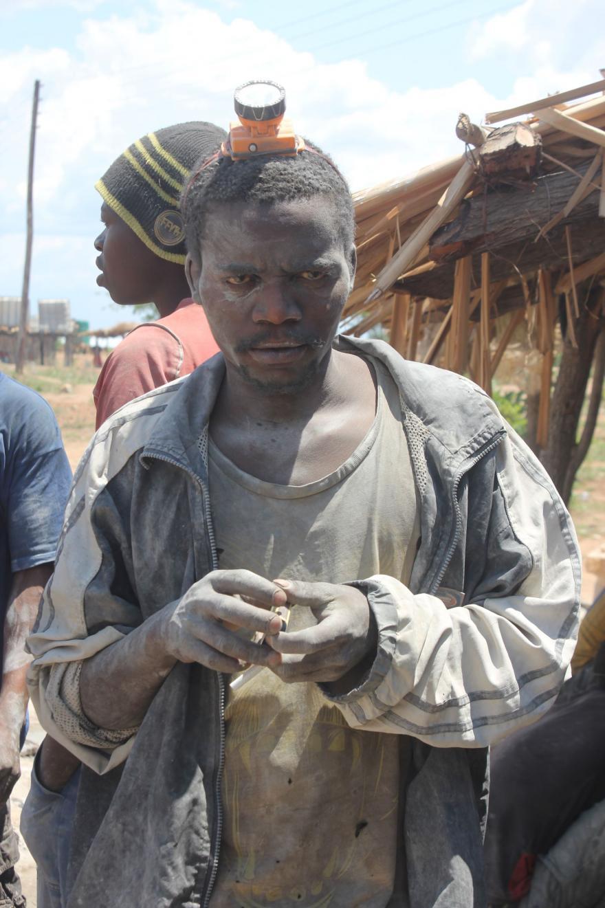 Artisanal mining in Zimbabwe - picture by Stephen Tsoroti